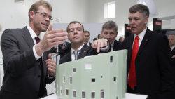 Медведев заинтересовался датским проектом экологического чистого здания