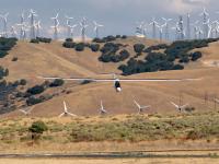 Ветряные турбины и солнечные батареи могут представлять опасность для воздушной навигации