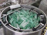 В Томске разработали установку, которая перерабатывает пластиковые бутылки в бензин