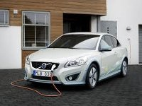 В Москве прошла презентация шведского электромобиля
