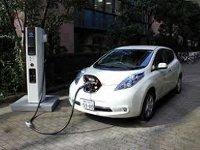 Toyota построит первые солнечные электрозаправки весной 2012 года