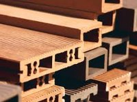 БелВТИ запустит производство древесно-полимерного композита