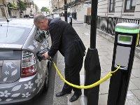 Автопроизводители не смогли прийти к единому стандарту зарядных устройств