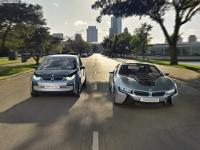 Электромобили BMW смогут заряжаться от фонарных столбов