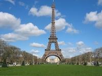 Эйфелеву башню оснастят ветряными турбинами