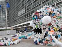 Европа отказывается от одноразовых пластиковых пакетов
