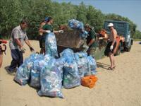 «Эко-патруль» собрал 53 тонны мусора стерритории городского пляжа Астрахани
