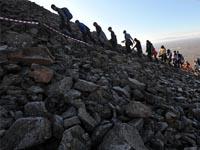 Эксперты-экологи предлагают ограничить число туристов напобережье Байкала