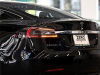 Во Франции натест-драйве загорелся электромобиль Tesla