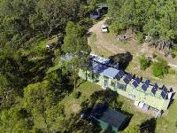 Британский инженер построил влесу экологический дом