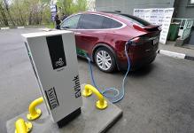 ВМурманске открылся первый пункт зарядного устройства дляэлектромобилей