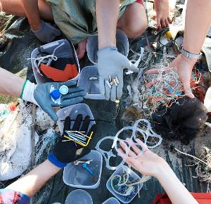 Роспотребнадзор поддержал ограничение одноразового пластика вРоссии