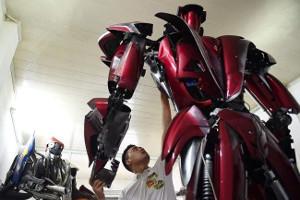 Робот изВьетнама привлекает внимание кэкологическим проблемам
