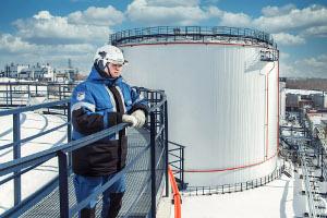 Омский НПЗ приступил кмонтажу ключевого оборудования биологических очистных сооружений «Биосфера»
