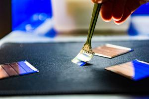 Сотрудниками НИТУ «МИСиС» разработан новый способ зарядки мобильных гаджетов