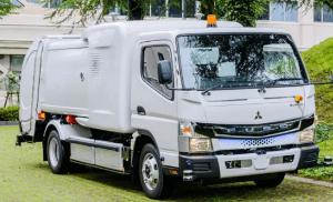 ВЯпонии представили полуавтономный электро-мусоровоз