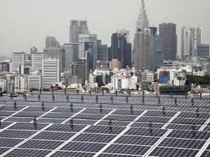 Япония инвестирует встроительство солнечных иветровых станций более $ 100 млрд