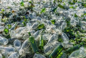 Британские ученые: самые неэкологичные бутылки– стеклянные
