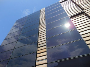 Новое исследование: фасады икрыши изсолнечных панелей могут быть прибыльны