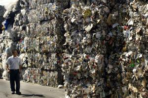 Китай перестанет принимать отходы иввел запрет наодноразовый пластик