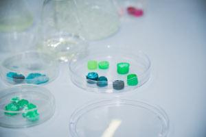 Создан пластик будущего: доступный, экологичный, универсальный