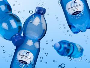 San Benedetto представил вРоссии воду вбутылках изпереработанного пластика
