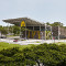 McDonald's запустил первый ресторан снулевым потреблением энергии